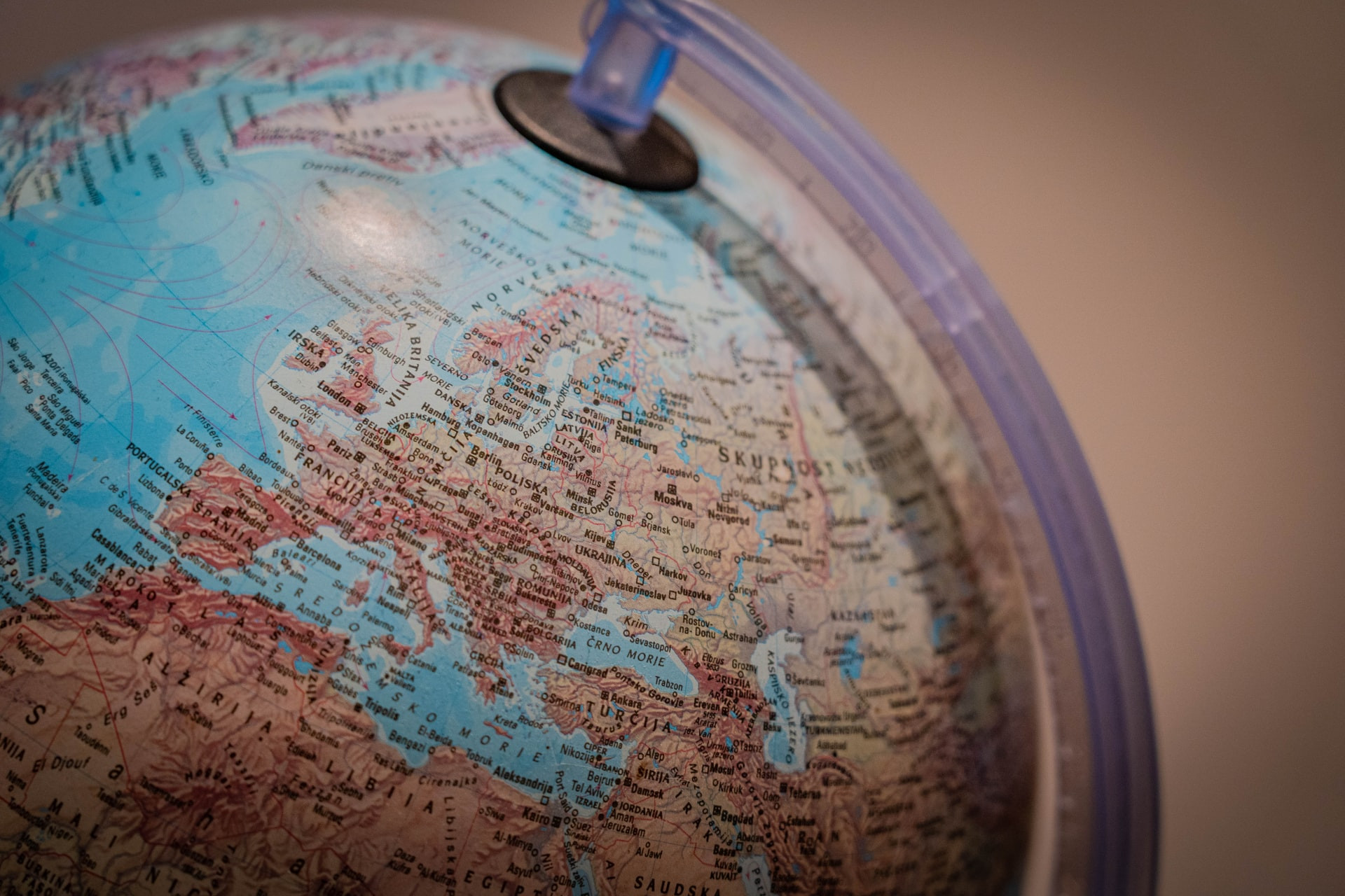 International Teams: Tips For Working Across Time Zones
